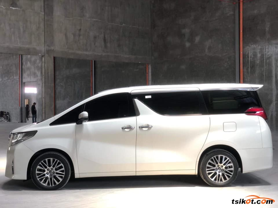 Toyota Alphard 2017 - 7