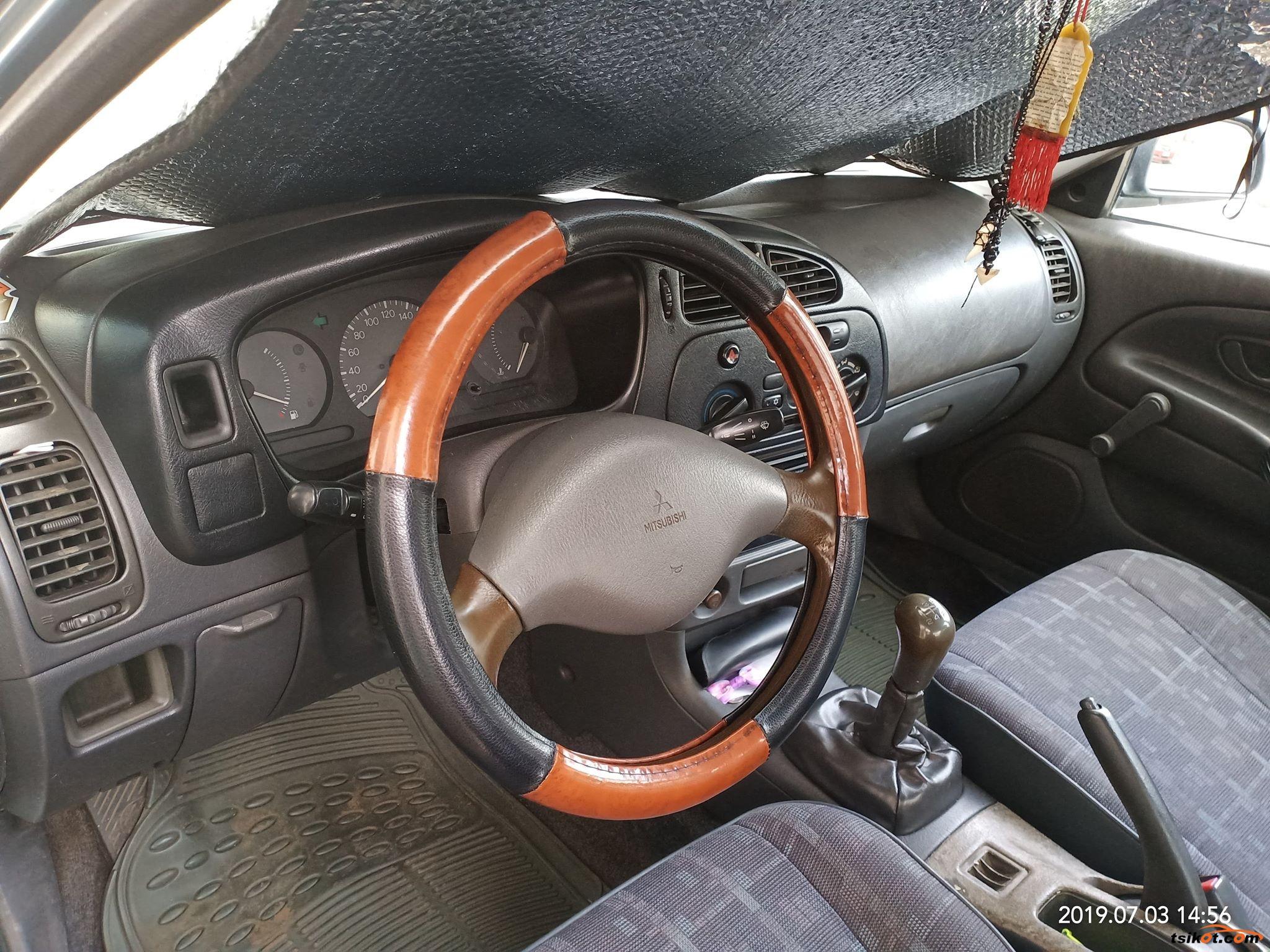 Mitsubishi Lancer 1990 - 5