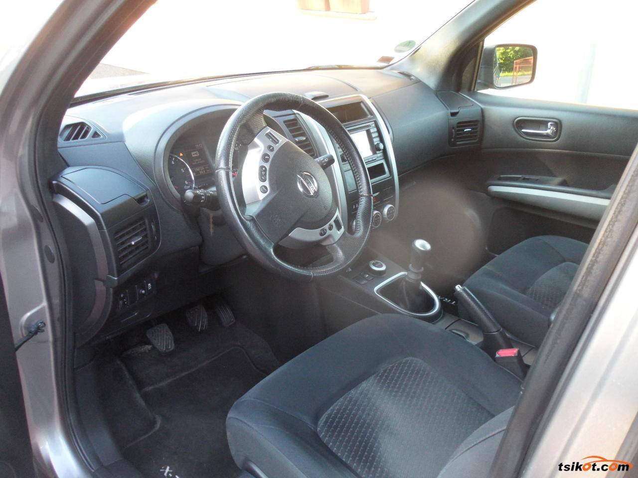 Nissan X-Trail 2012 - 3