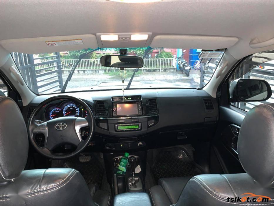 Toyota Fortuner 2015 - 10