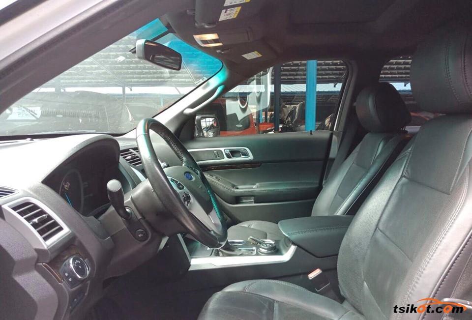 Ford Explorer 2012 - 4