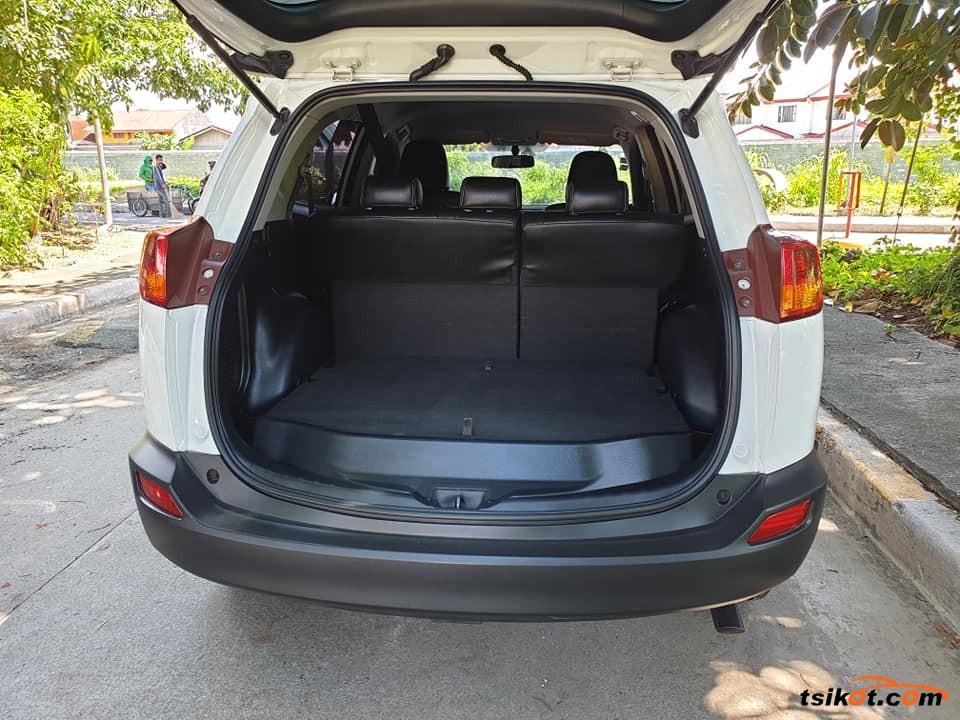 Toyota Rav4 2013 - 2