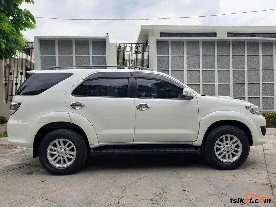 Toyota Fortuner 2013 - 4