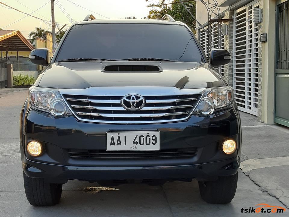 Toyota Fortuner 2014 - 6