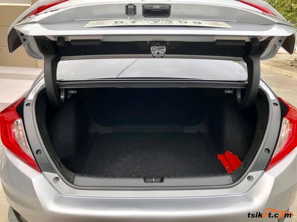 Honda Civic 2017 - 10