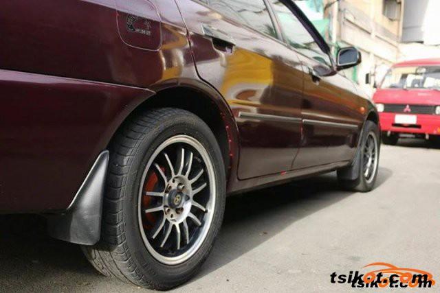 Mitsubishi Lancer 1997 - 4