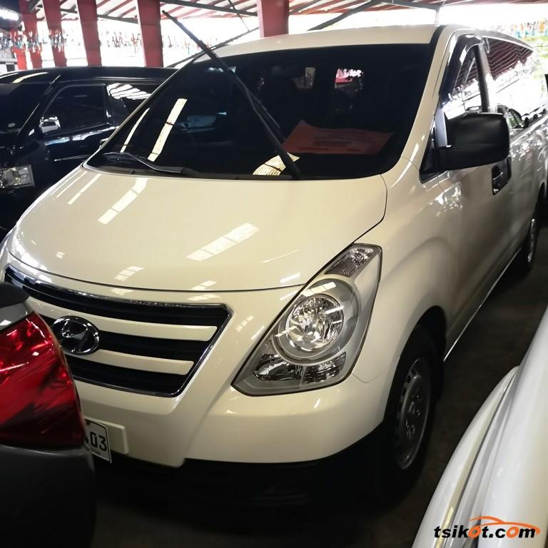 Hyundai Starex 2017 - 1