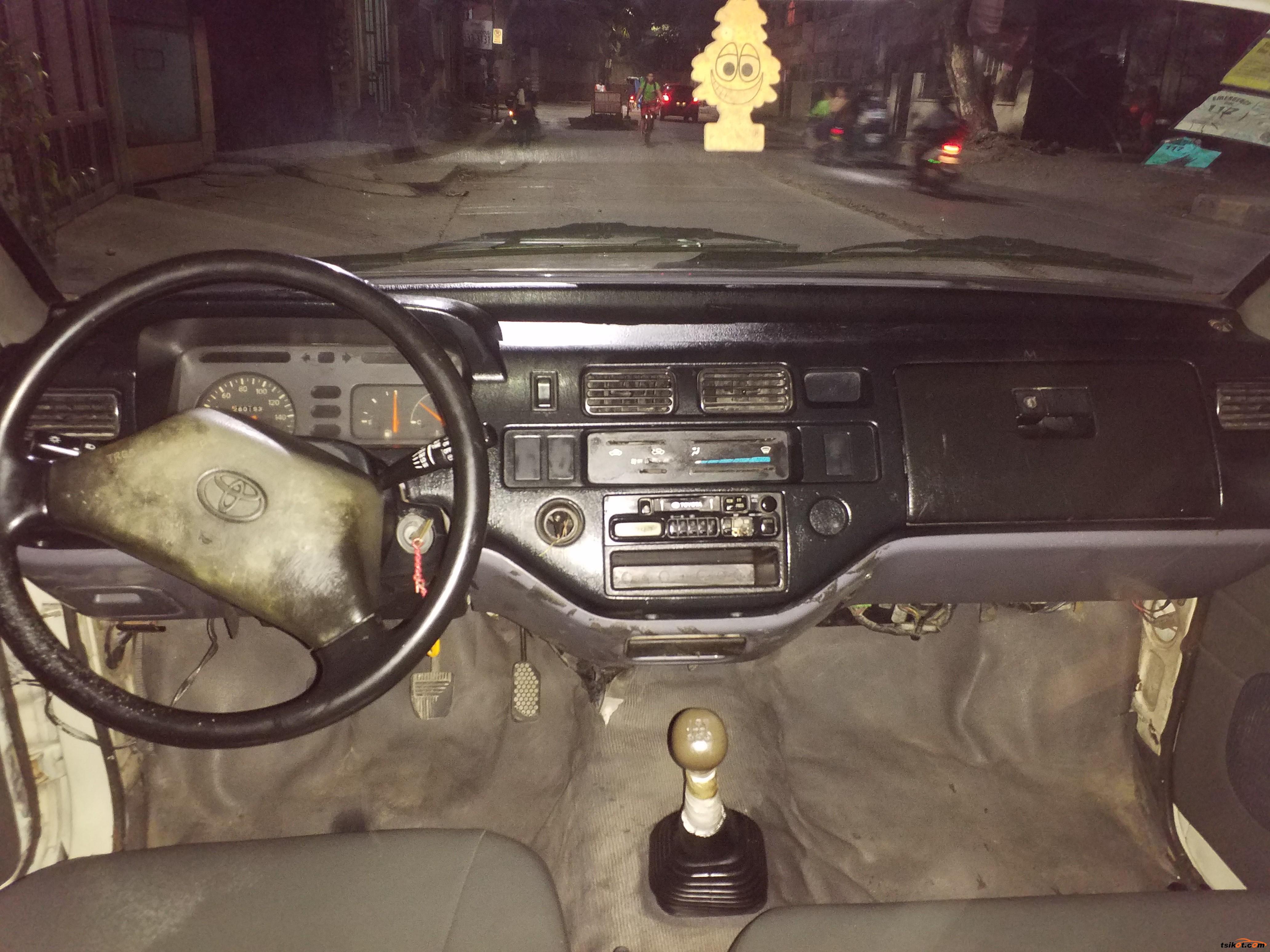 Toyota Rav4 2000 - 5