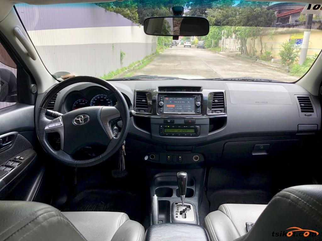 Toyota Fortuner 2015 - 8