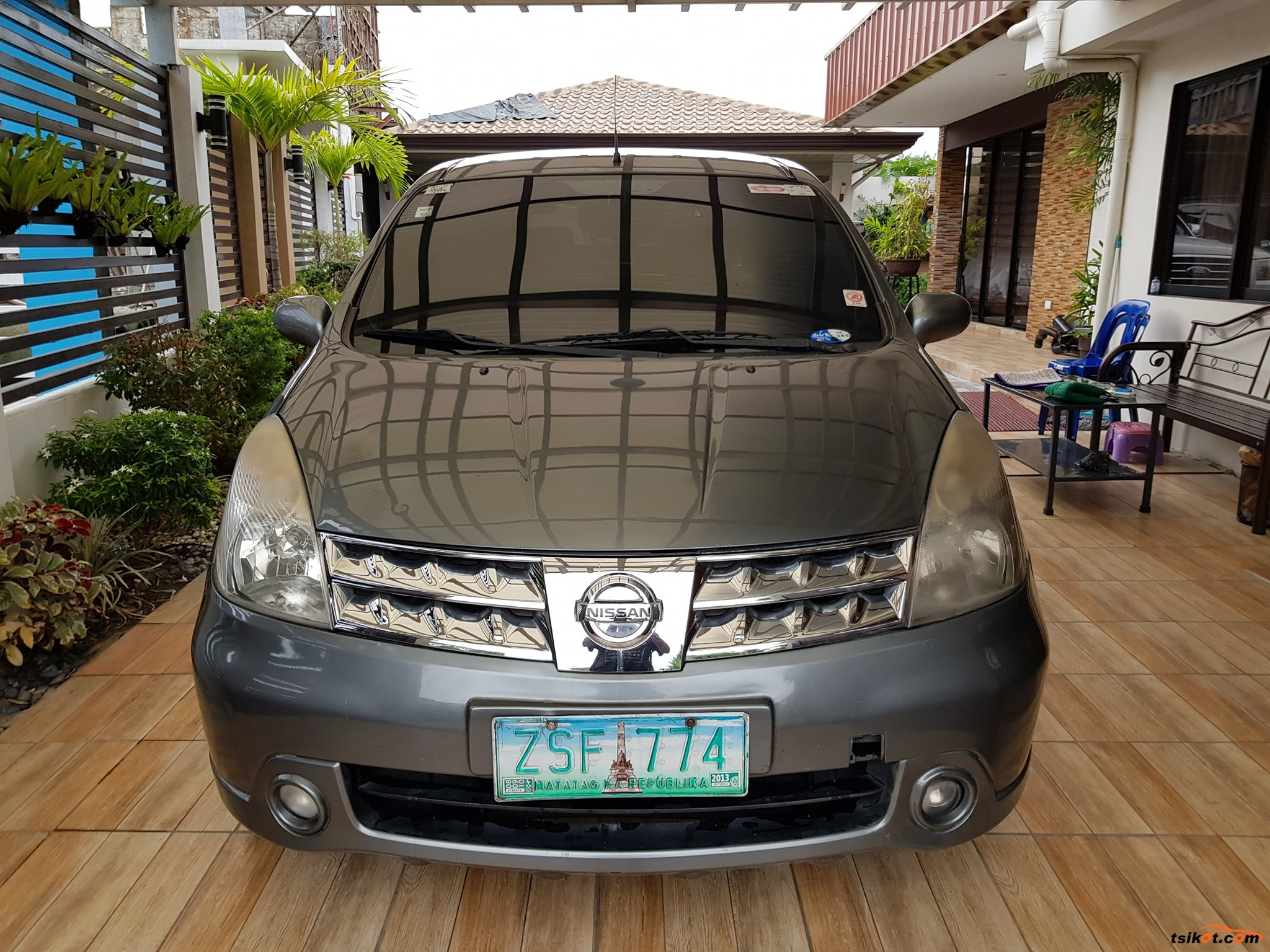 Nissan Grand Livina 2009 - 1
