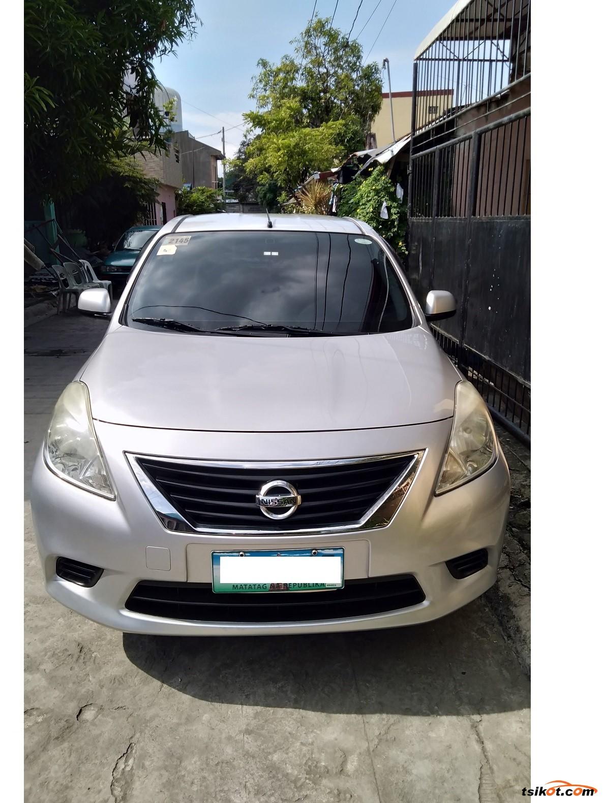 Nissan Almera 2013 - 1