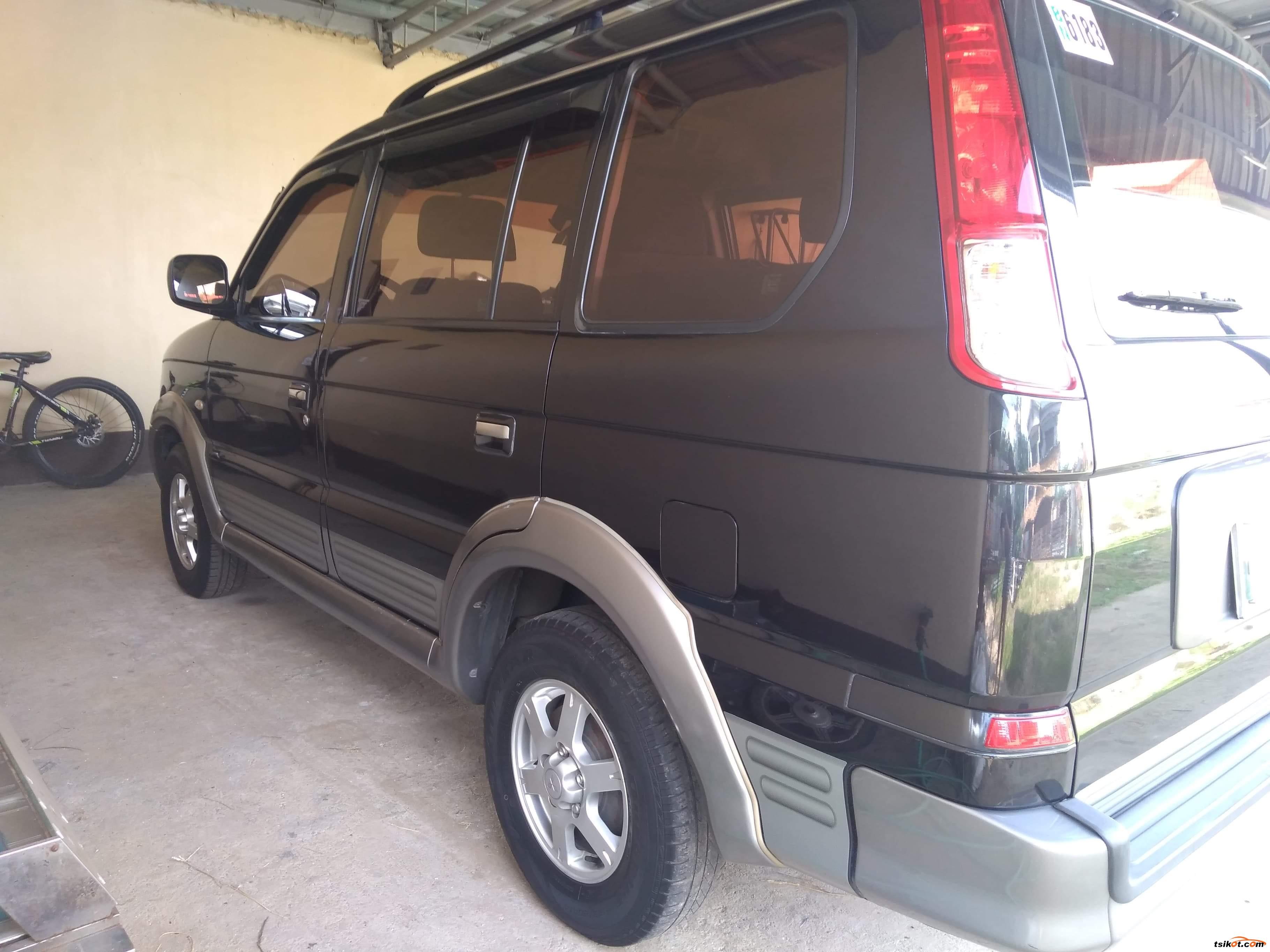 Mitsubishi Adventure 2010 - 8