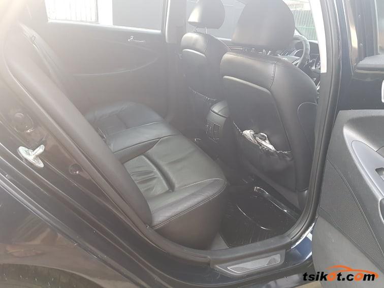 Hyundai Sonata 2011 - 6