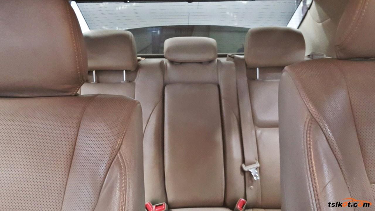 Toyota Camry 2011 - 10