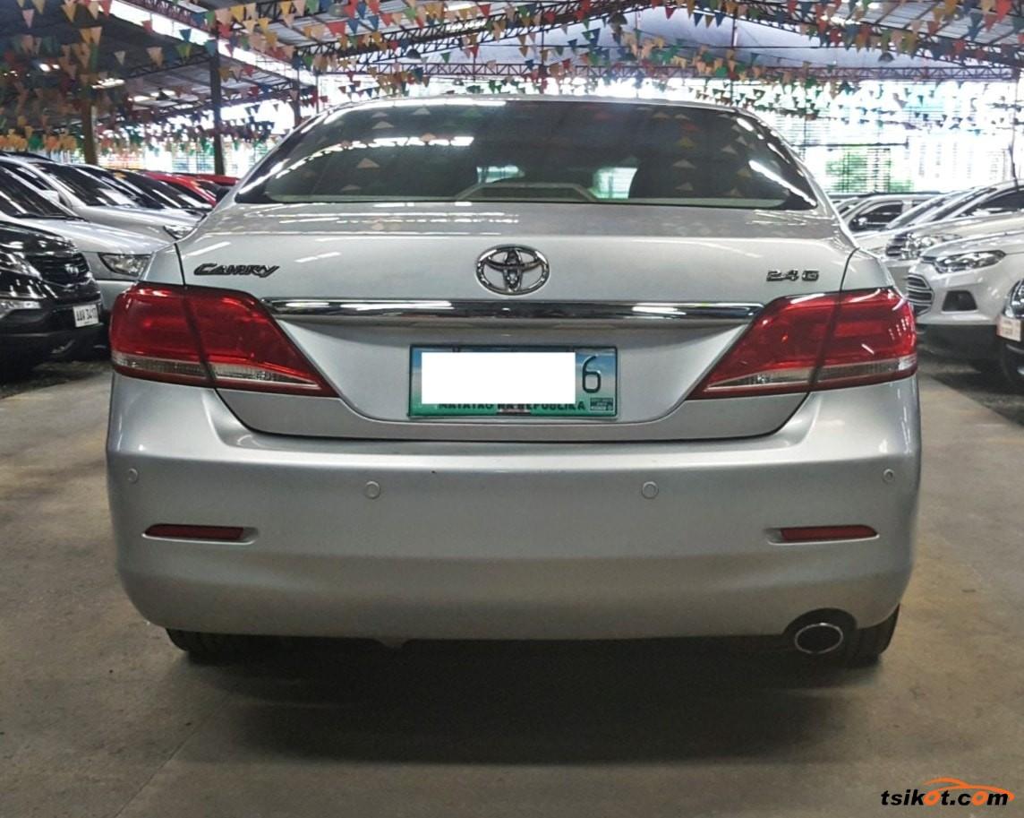 Toyota Camry 2011 - 5