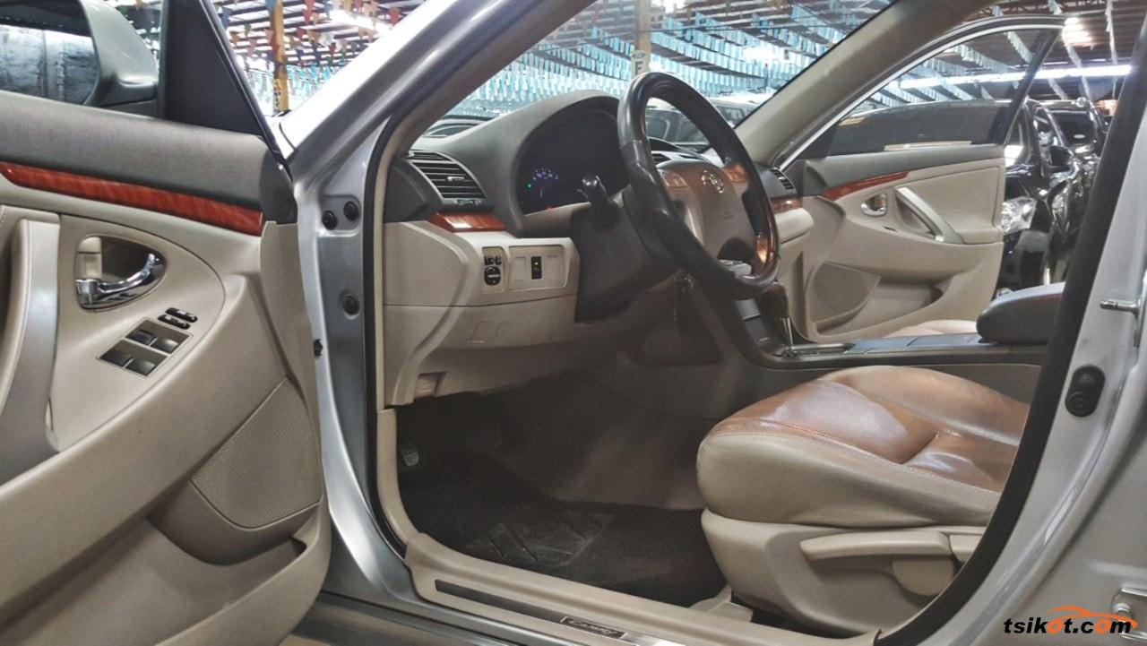 Toyota Camry 2011 - 6
