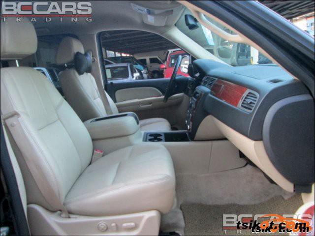 Chevrolet Suburban 2008 - 2