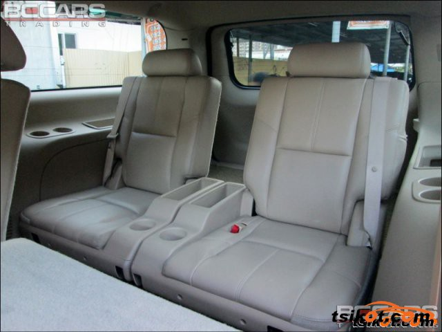 Chevrolet Suburban 2008 - 4