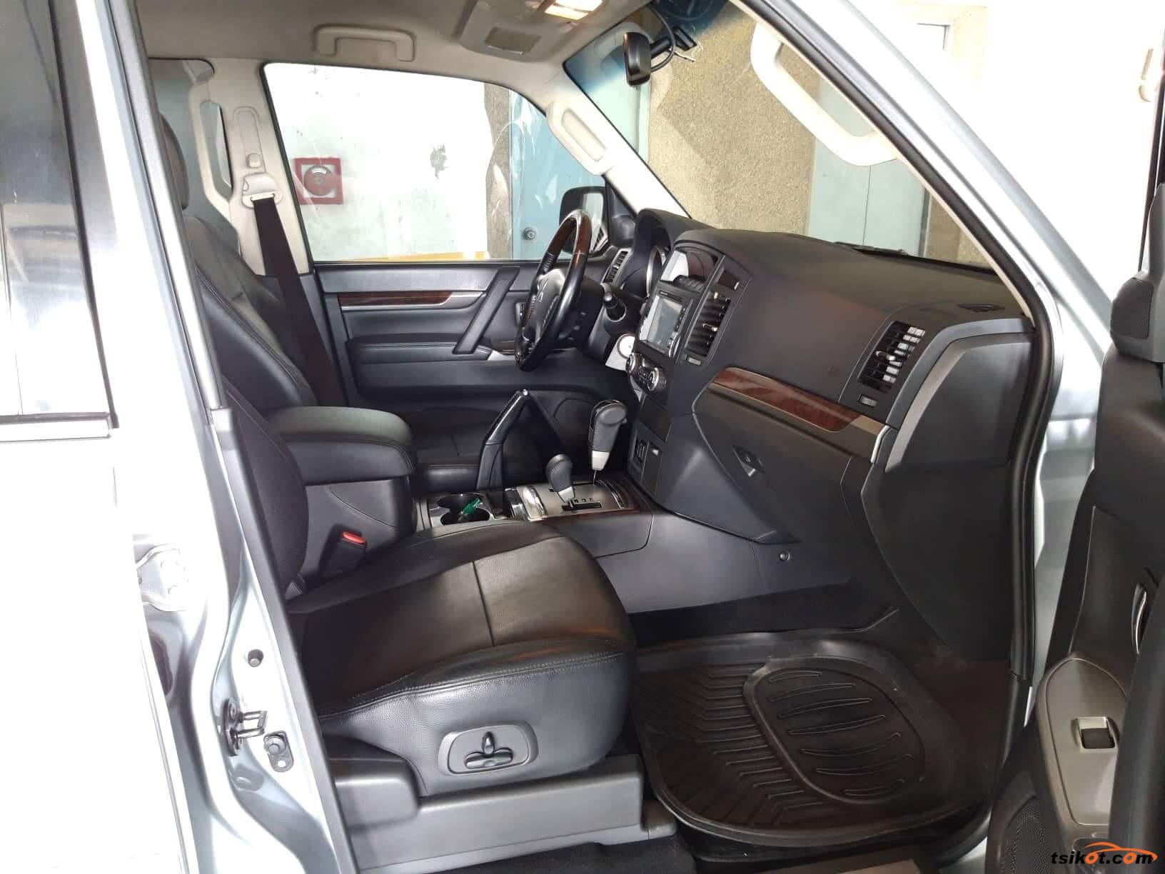 Mitsubishi Pajero 2014 - 6