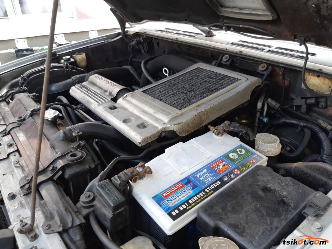 Mitsubishi Pajero 2002 - 8