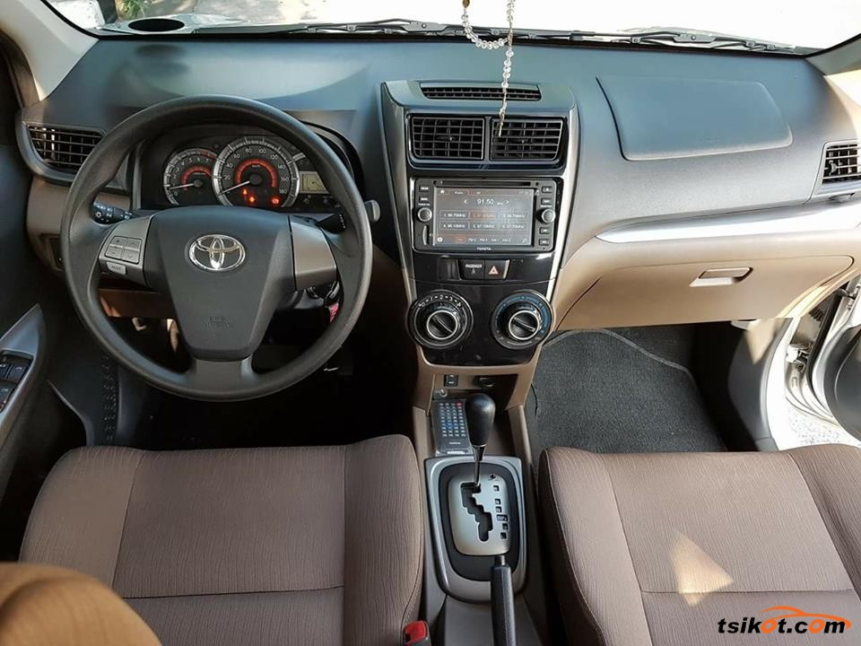 Toyota Avanza 2017 - 8