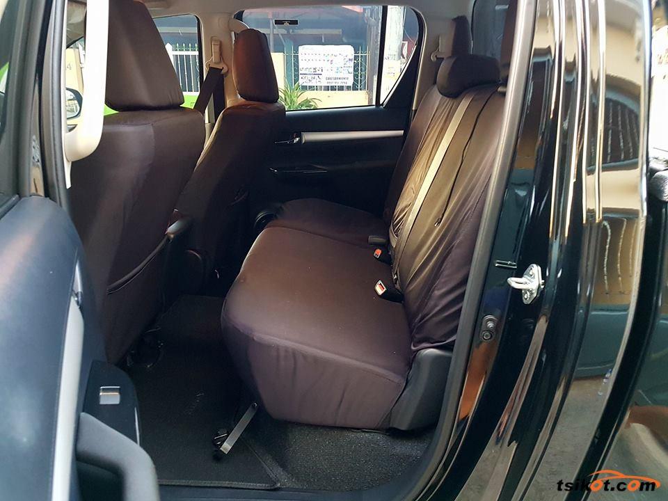 Toyota Hilux 2018 - 9