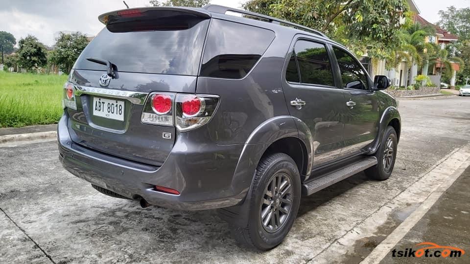 Toyota Fortuner 2016 - 10