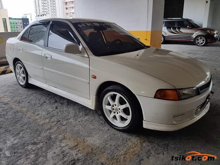 Mitsubishi Lancer 1998 - 5