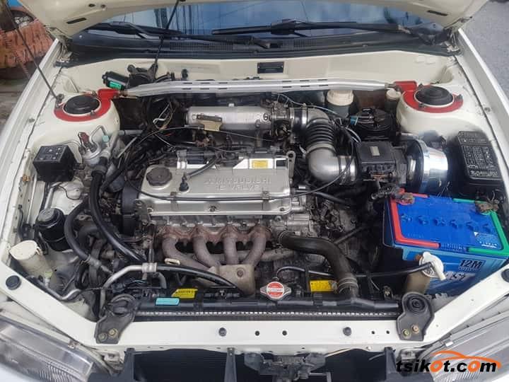 Mitsubishi Lancer 1998 - 8