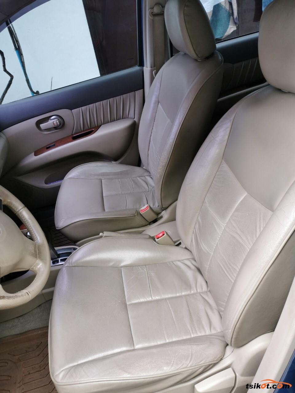 Nissan Grand Livina 2011 - 5