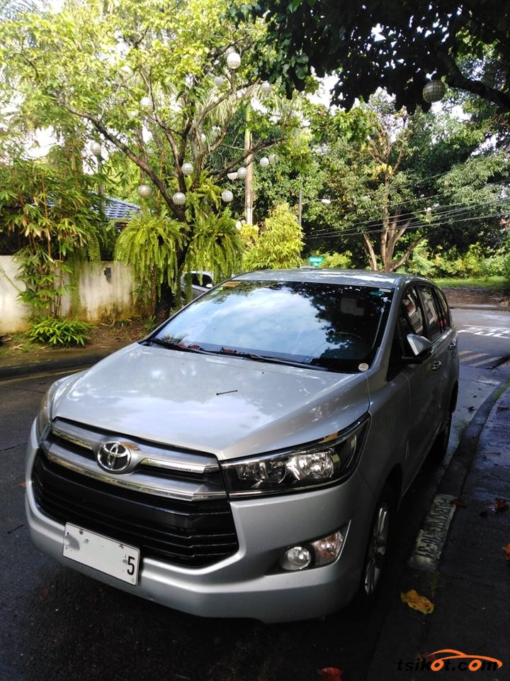 Toyota Innova 2016 - 1