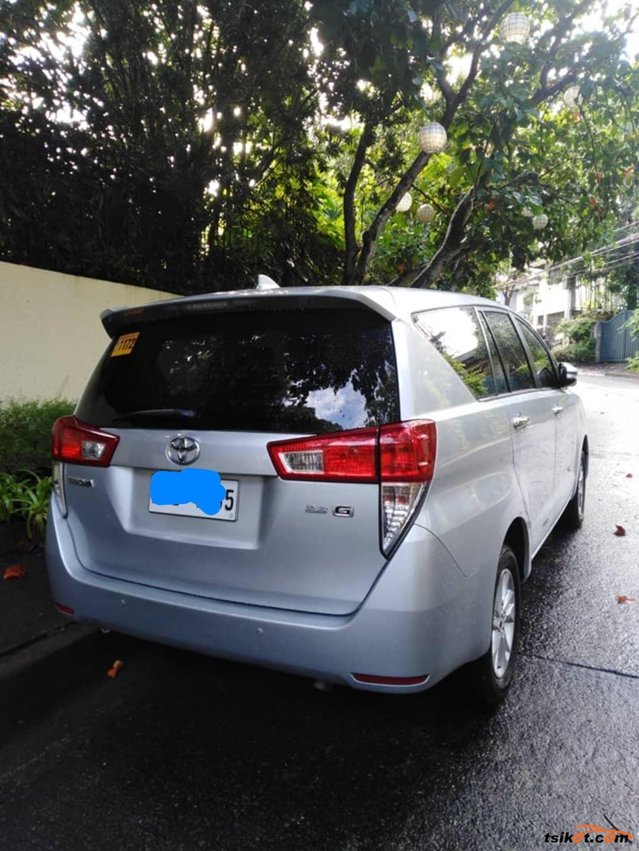 Toyota Innova 2016 - 6