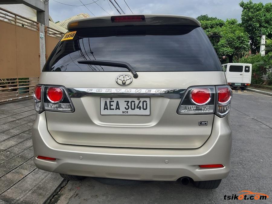 Toyota Fortuner 2014 - 3