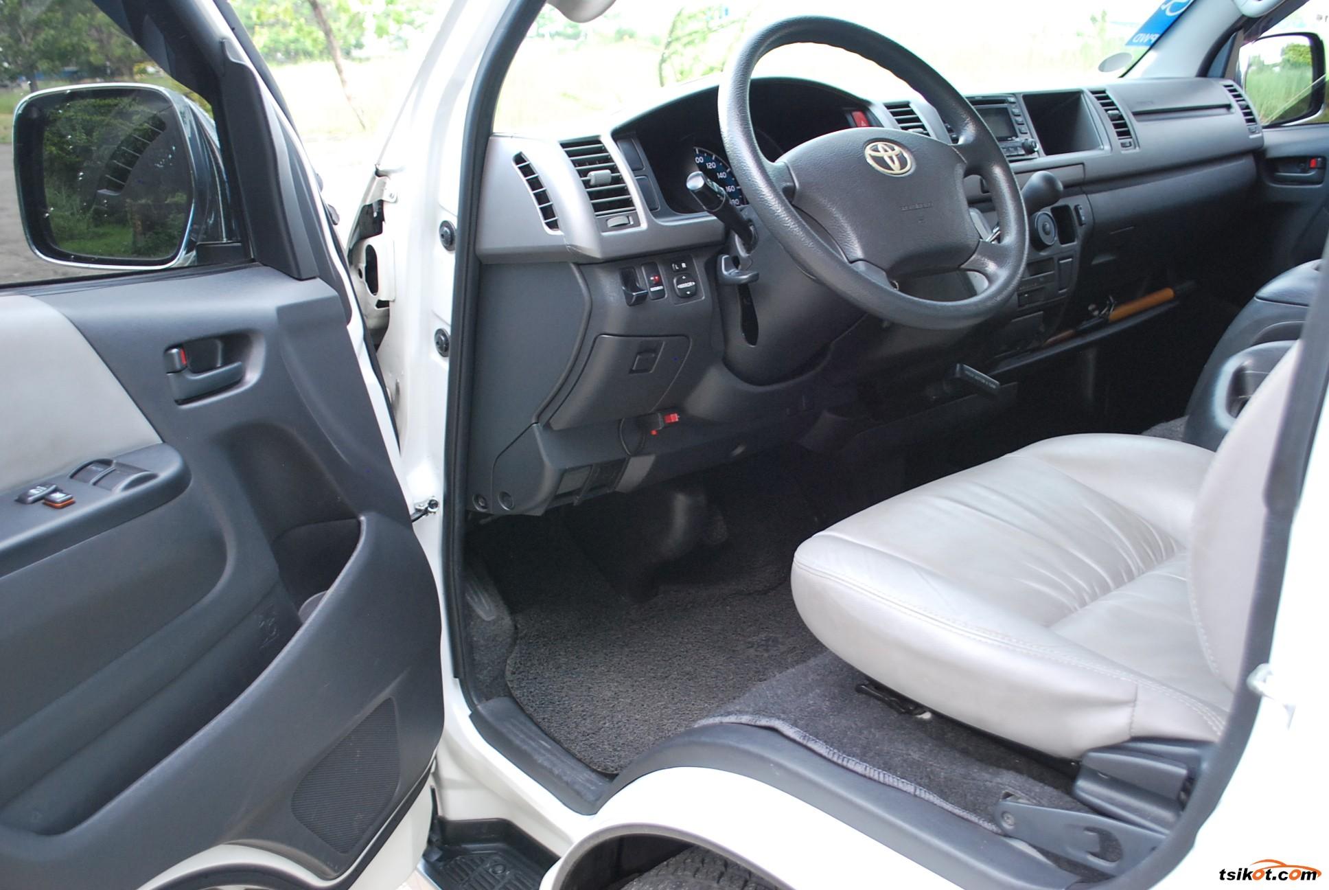 Toyota Hiace 2016 - 6