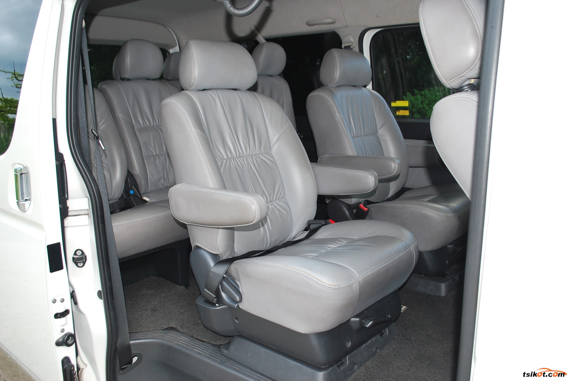 Toyota Hiace 2016 - 9