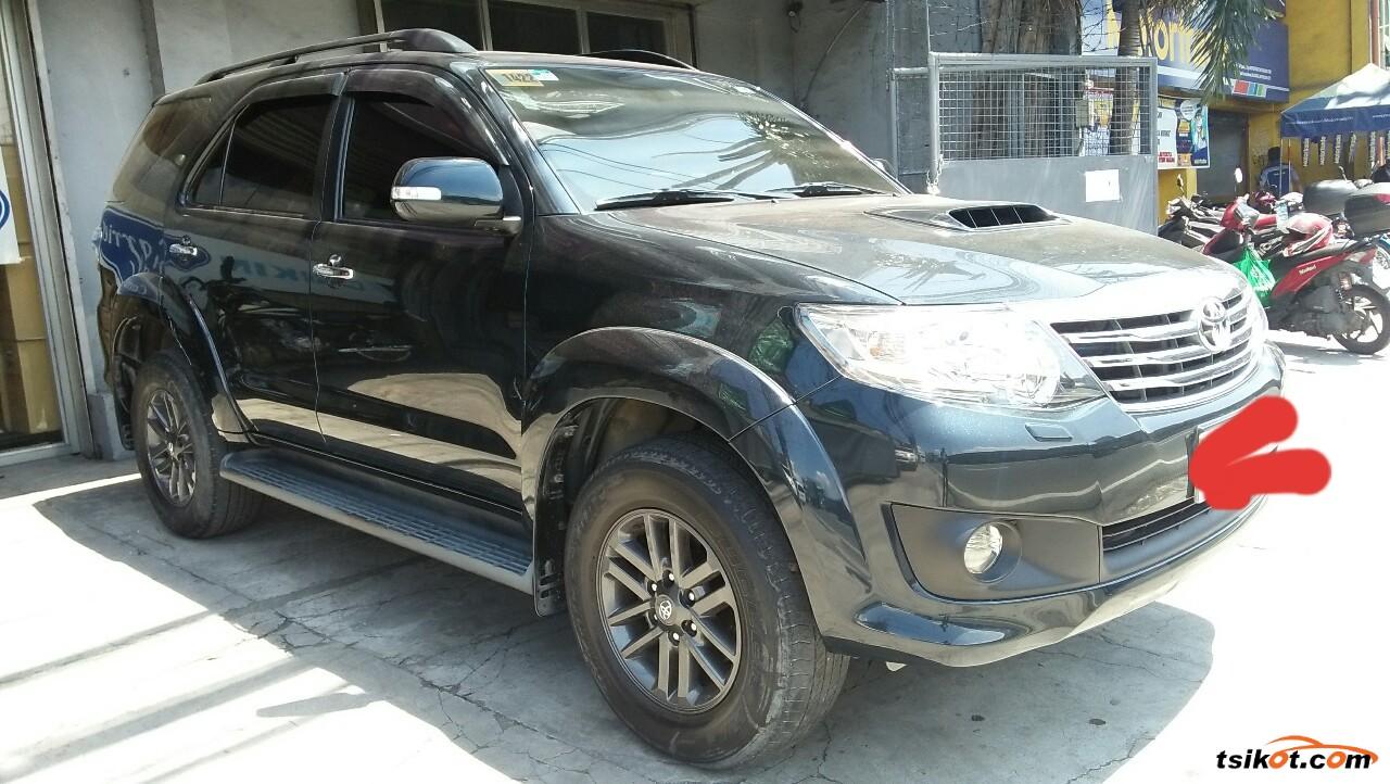 Toyota Fortuner 2014 - 4