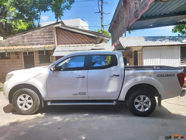 Nissan Np300 2015 - 8