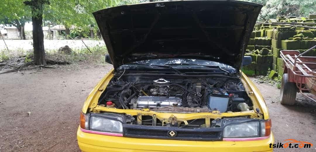 Mazda 323 1997 - 1