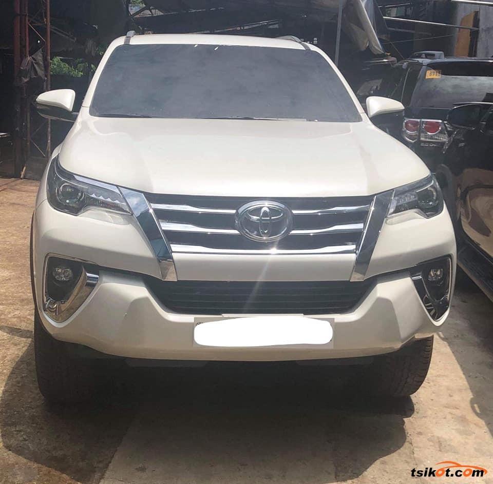 Toyota Fortuner 2018 - 1