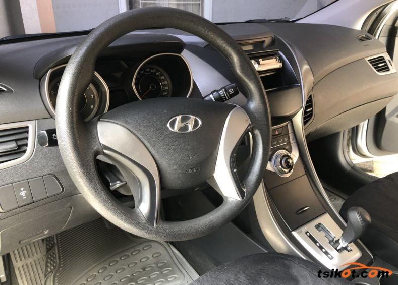 Hyundai Elantra 2012 - 3