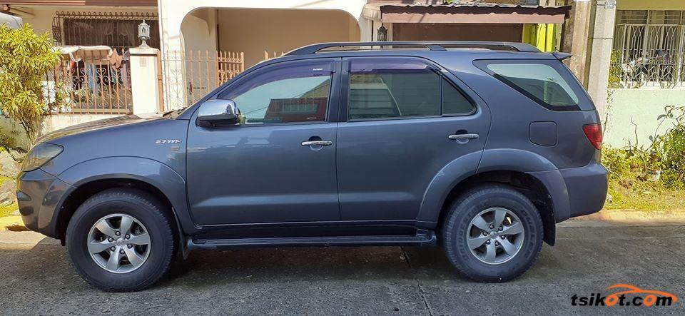 Toyota Fortuner 2007 - 7
