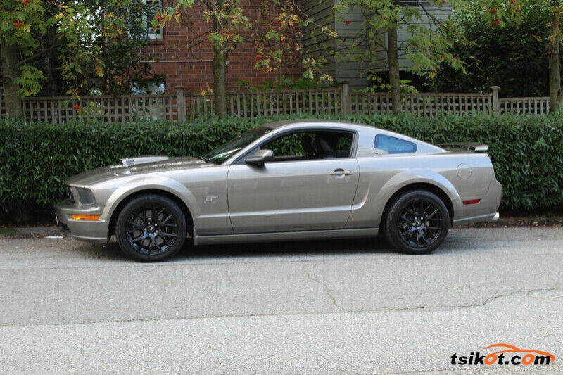Ford Mustang 2005 - 3