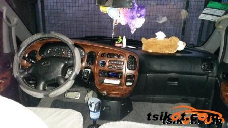 Hyundai Starex 2003 - 3