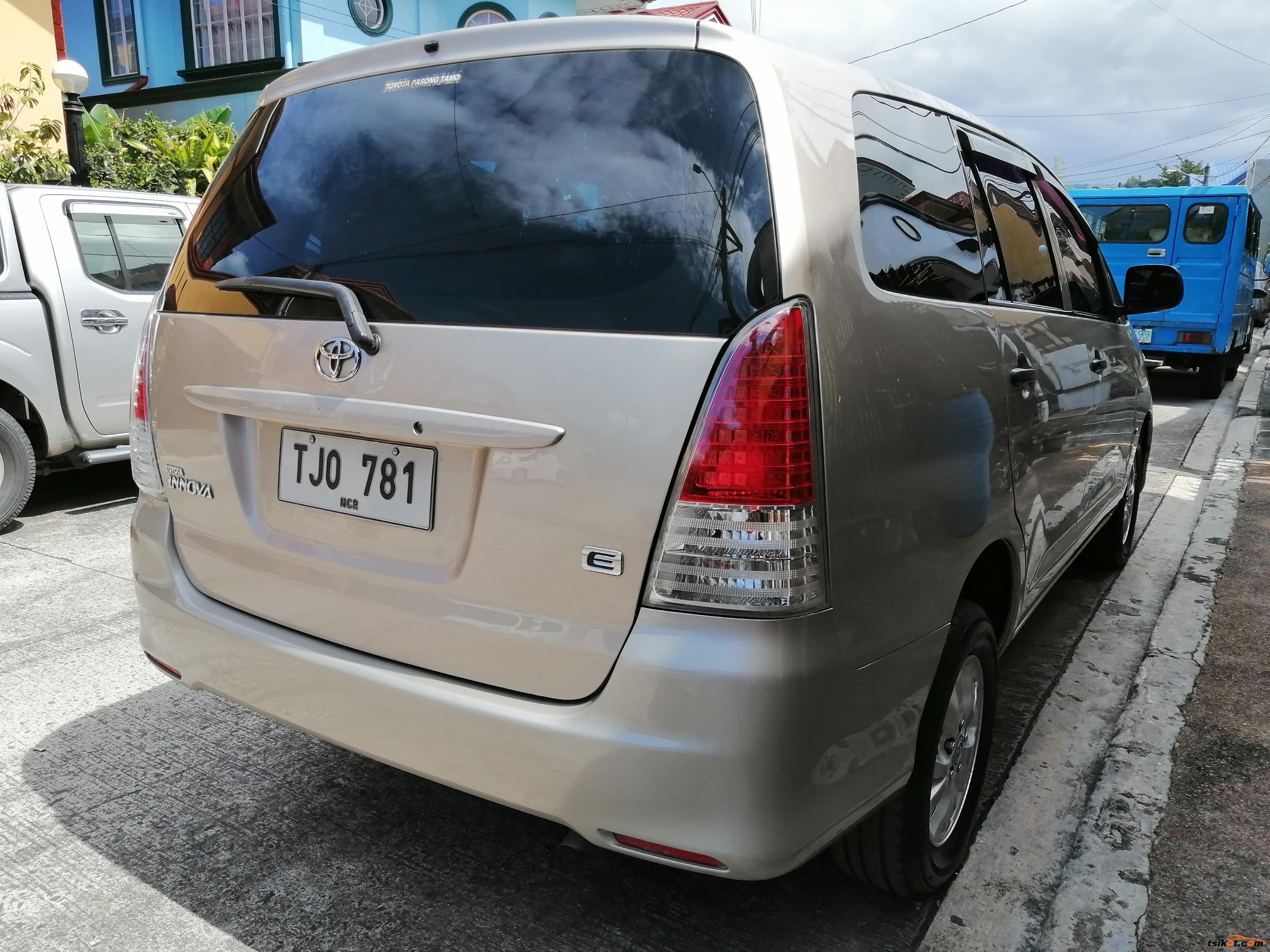 Toyota Innova 2012 - 8