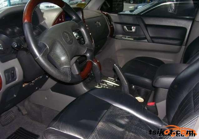 Mitsubishi Pajero 2004 - 2