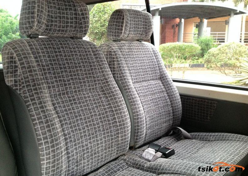 Nissan Urvan 2012 - 3