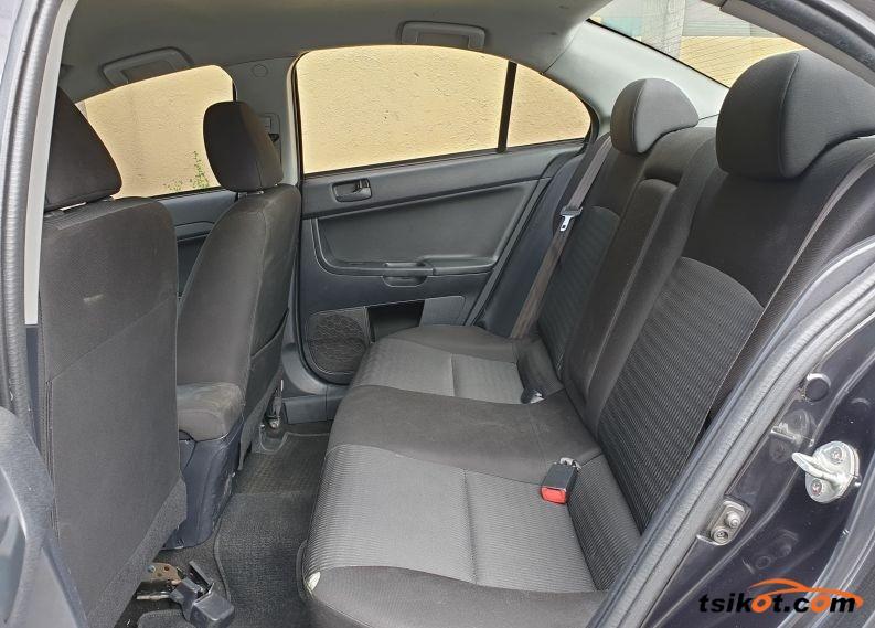 Mitsubishi Lancer 2013 - 4