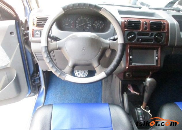 Mitsubishi Adventure 2000 - 3
