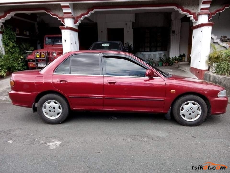 Mitsubishi Lancer 1993 - 5