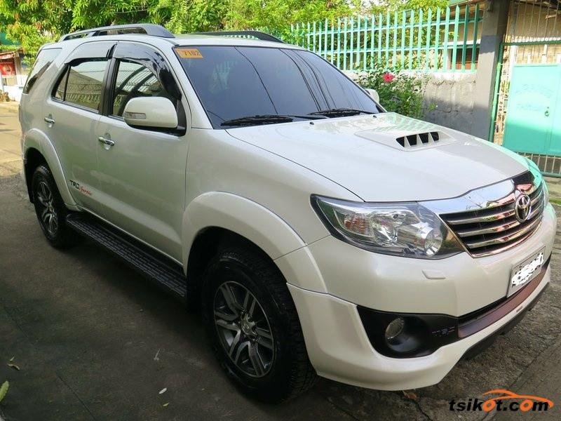 Toyota Fortuner 2015 - 3